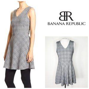 BANANA REPUBLIC Tartan Fit & Flare Dress